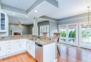 kitchen-eat-in-living